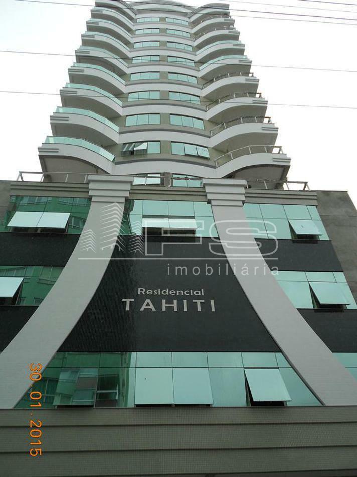 Apartamento com 3 Dormitórios à venda, 132 m² por R$ 990.000,00