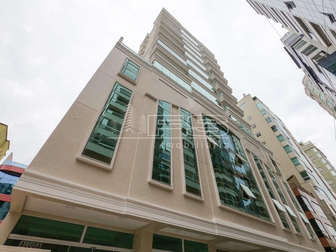 Apartamento com 3 Dormitórios à venda, 131 m² por R$ 1.350.000,00