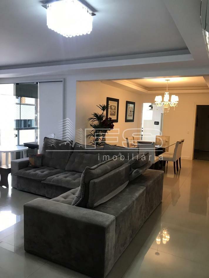 Apartamento com 4 Dormitórios à venda, 250 m² por R$ 1.800.000,00