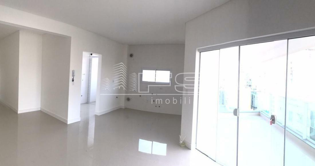 Apartamento com 3 Dormitórios à venda, 110 m² por R$ 780.000,00