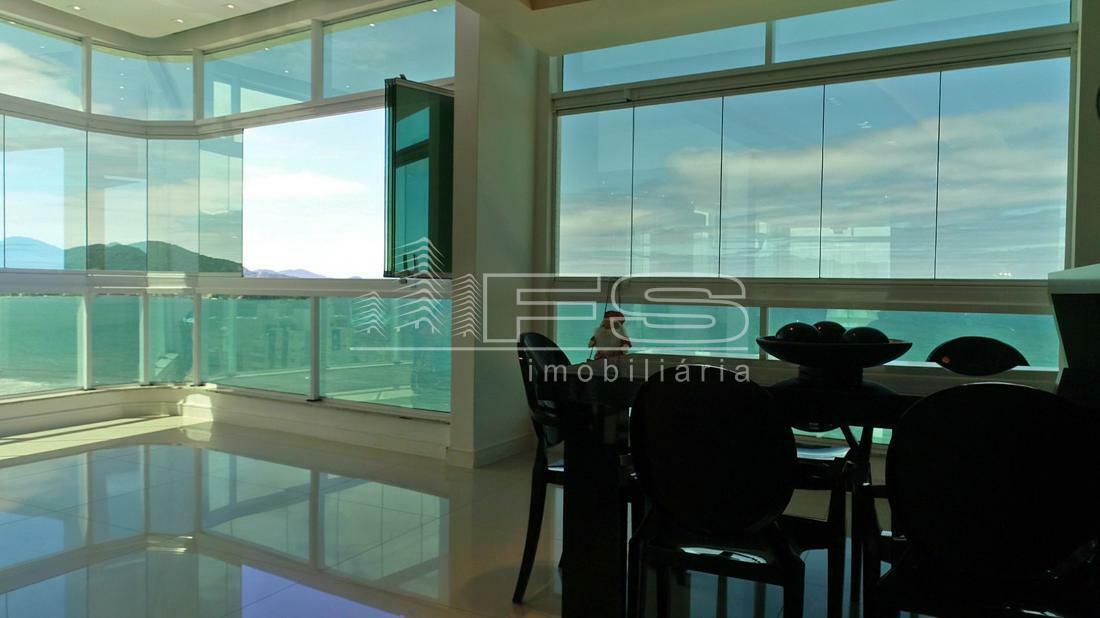 Apartamento com 3 Dormitórios à venda, 260 m² por R$ 4.400.000,00