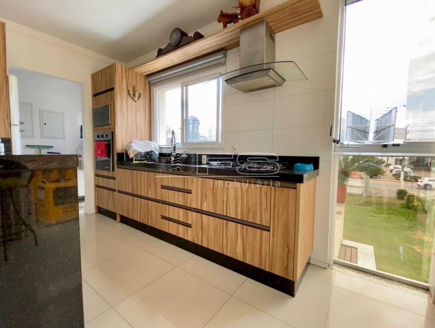 Apartamento com 3 Dormitórios à venda, 103 m² por R$ 690.000,00
