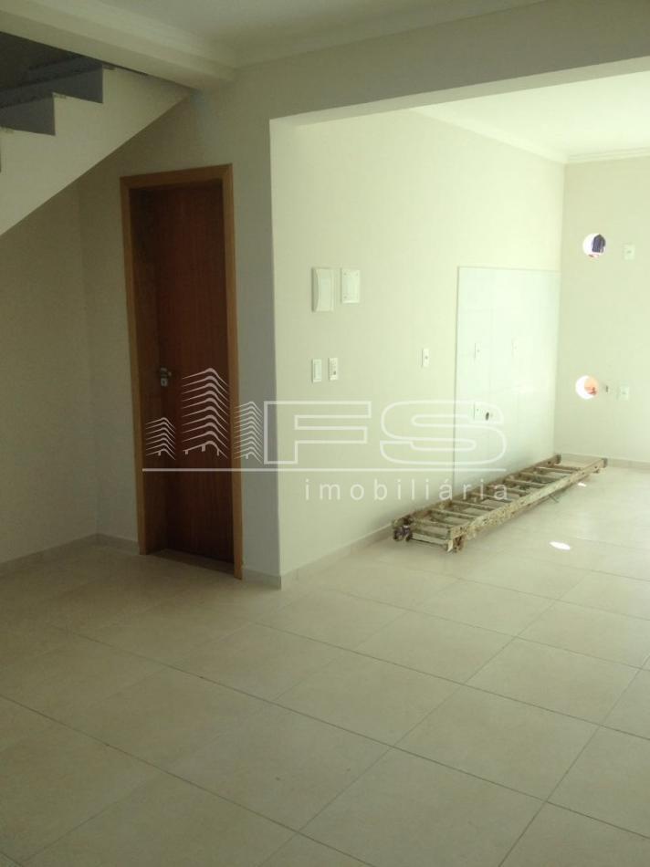 Casa com 2 Dormitórios à venda, 75 m² por R$ 320.000,00
